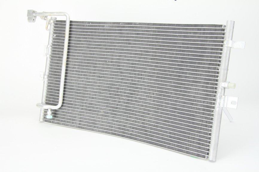Chłodnica klimatyzacji THERMOTEC KTT110062 - darmowa dostawa do 5000 warsztatów Motointegrator Partner i 170 sklepów Inter Cars