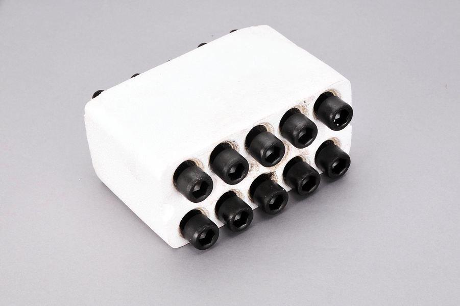 Śruby głowicy cylindrów ELRING 819.832 - darmowa dostawa do 5000 warsztatów Motointegrator Partner i 170 sklepów Inter Cars