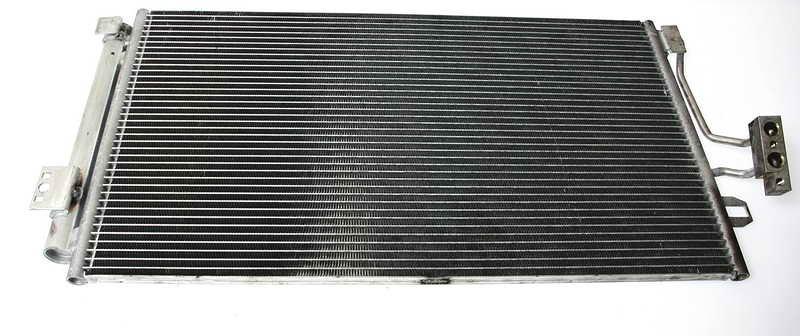 Chłodnica klimatyzacji THERMOTEC KTT110056 - darmowa dostawa do 5000 warsztatów Motointegrator Partner i 170 sklepów Inter Cars