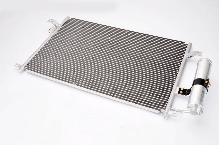 Chłodnica klimatyzacji THERMOTEC KTT110315 - darmowa dostawa do 5000 warsztatów Motointegrator Partner i 170 sklepów Inter Cars
