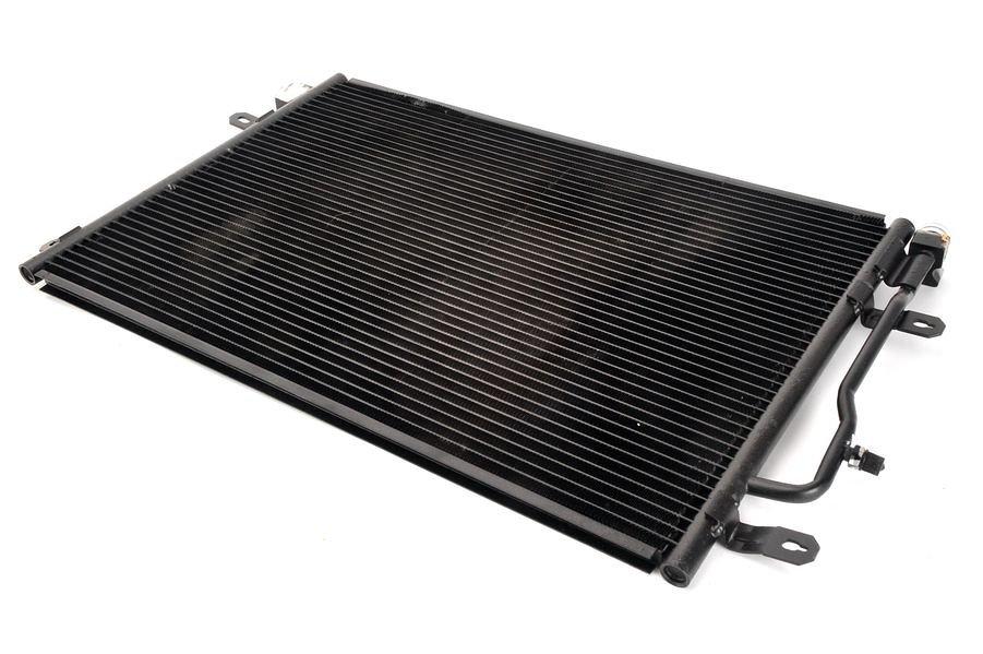 Chłodnica klimatyzacji THERMOTEC KTT110250 - darmowa dostawa do 5000 warsztatów Motointegrator Partner i 170 sklepów Inter Cars
