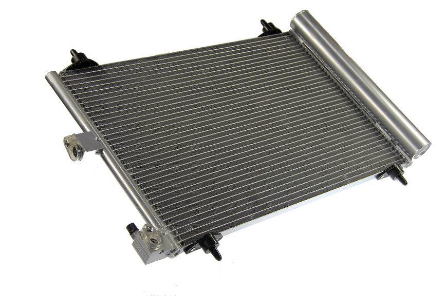 Chłodnica klimatyzacji THERMOTEC KTT110009 - darmowa dostawa do 5000 warsztatów Motointegrator Partner i 170 sklepów Inter Cars