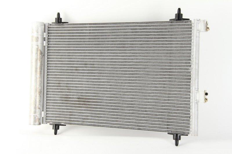 Chłodnica klimatyzacji THERMOTEC KTT110160 - darmowa dostawa do 5000 warsztatów Motointegrator Partner i 170 sklepów Inter Cars